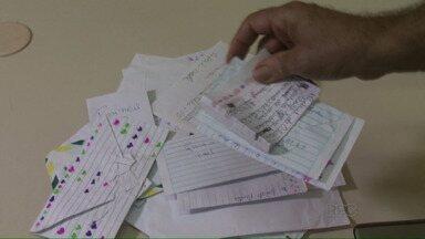 Correios começa a receber as cartinhas para o papai noel - A campanha dos correios já começou. Veja como você pode participar e adotar uma das cartinhas.