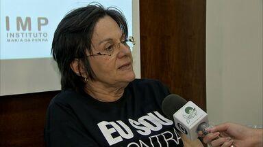 Mulheres se reúnem para discutir os 10 anos da Lei Maria da Penha - Confira a reportagem de Marina Alves.