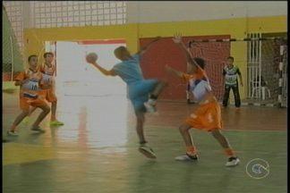 Olimpíadas Estudantis chegam ao final em Petrolina - No ginásio Osvaldo do Flamengo, a criançada de 9 a 12 anos, além de competir se divertiu muito nos jogos