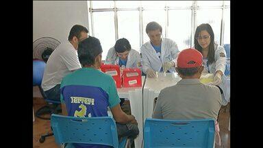 Ação alerta homens sobre como prevenir o câncer de próstata - O mês de novembro é dedicado aos cuidados da saúde do homem. Em Santarém, oeste do Pará, a coordenação CAPS AD III - 24h, realizou uma ação denominada 'Novembro Azul'.