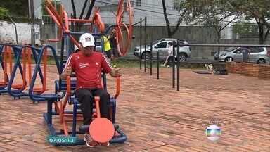 Exercícios ao ar livre podem substituir a maior parte de aparelhos - Educador físico Leonardo Santos dá algumas orientações.