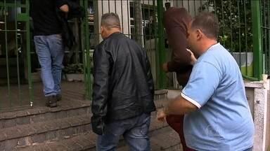 Polícia prende dez pessoas suspeitas de vender drogas na região da Cracolândia - Enquanto as pessoas estão aos trapos usando drogas no Centro da capital, um dos presos estava em uma mansão em Sorocaba, no interior do estado.