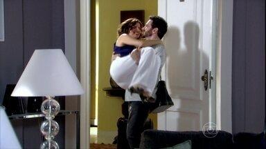Silvia se muda parta o apartamento de Murilo - Tônia tenta mostrar para Tarso que não existe nenhuma mulher perseguindo-o