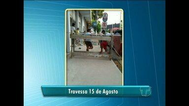 Telespectadores flagram fumaça e calçadas ocupadas de forma irregular em Santarém - Fotos foram enviadas a produção de jornalismo da TV Tapajós nesta quinta-feira (3).