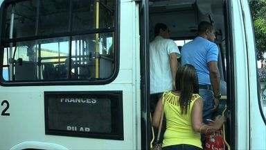 Moradores de Marechal Deodoro cobram mais ônibus - Comunidade se queixa da pequena quantidade de coletivos para Maceió.