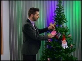 Doe alimentos e ajude a enfeitar a árvore de Natal do Jornal do Almoço - Você pode fazer sua doação na sede da RBS TV Erechim.