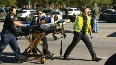 Casal que provocou massacre nos EUA jurou lealdade ao Estado Islâmico - O casal que provocou um massacre na cidade de San Bernardino, na Califórnia, jurou lealdade ao Estado Islâmico, mas as autoridades americanas ainda não sabem o que motivou a ação do jovem casal, que tinha uma filha de seis meses.