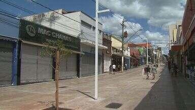 Primeiro fim de semana de compras de natal teve movimento baixo em Ribeirão - Algumas lojas no Centro da cidade chegaram a fechar mais cedo.