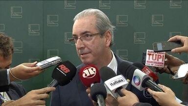Eleição da comissão que vai analisar processo de impeachment é adiada - Eduardo Cunha adiou a eleição dos integrantes da comissão. Votação seria na noite desta segunda-feira (7).