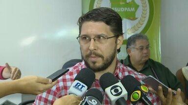Defensoria relata falha em ação para remoção de famílias de invasão no AM - Área situada na Zona Oeste de Manaus é alvo de conflitos e disputa judicial.Ao menos 200 pessoas fixas moram na comunidade, segundo polícia.