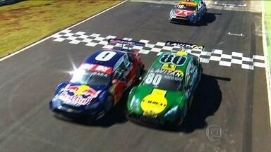 Cacá Bueno e Marcos Gomes brigam por título da temporada da Stock Car em Interlagos - Cacá Bueno e Marcos Gomes brigam por título da temporada da Stock Car em Interlagos