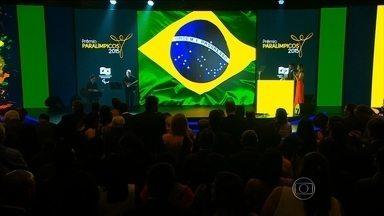 Cerimônia premia os melhores atletas paralímpicos do ano - Silvania Costa e Luis Carlos Cardoso receberam os principais prêmios da noite.