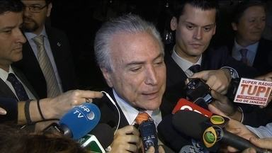 Encontro entre Dilma e Temer termina com declarações de que não há rompimento - O encontro aconteceu no Palácio do Planalto e durou cerca de uma hora. A presidente disse que a relação entre os dois será fértil e proveitosa, pensando nos interesses do país.