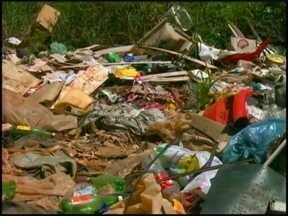 JA nos Bairros: Móveis e restos de eletrônicos são descartados em terrenos baldios de Erec - Confira como dar um fim de maneira adequada a esse tipo de objeto.