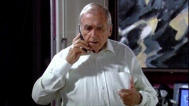 Cadore questiona Maya sobre a correspondência de Raul - Ele informa que não foi a esposa do empresário que recebeu o dinheiro e a ameaça