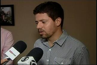 Suspeito de desviar dinheiro de show de Gino e Geno nega acusações - Show beneficente foi realizado em março, em prol da Santa Casa de Araxá.Promotor de eventos foi preso; polícia pediu prorrogação de prisão.