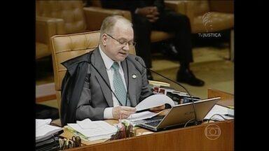 STF deve examinar rito do impeachment até sexta-feira (18) - Talvez vá até sexta-feira (18) a sessão do plenário do Supremo Tribunal Federal que examina qual será o rito do processo de impeachment que a Câmara já iniciou contra a presidente Dilma Rousseff.