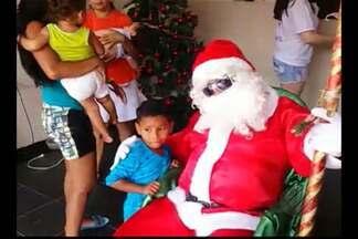 Moradores doam brinquedos e cestas básicas para famílias, em Ananindeua - Moradores da Cidade Nova se unem todos os anos para arrecadar doações para famílias carentes do bairro.