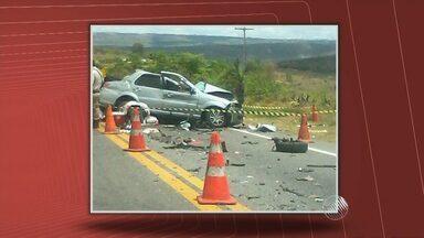 Quatro pessoas da mesma família morrem em acidente na BR-116, centro-sul do estado - A polícia suspeita que o condutor dormiu ao volante.