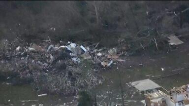 Mais de 20 tornados matam 14 pessoas nos EUA - Mississippi e Tennessee declararam situação de emergência. Mais de cem casas e prédios foram destruídos ou danificados.