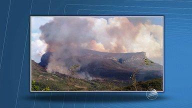 Motivo do incêndio na Serra da Bocaina ainda é desconhecido - Fogo na região da Chapada Diamantina começou no sábado (26) e foi só controlado no domingo (27).