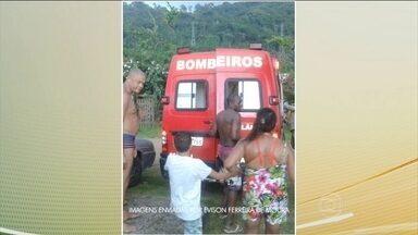 Homem de 29 anos morre depois de ser atingido por um raio - O acidente aconteceu em Angra dos Reis, no Rio de Janeiro. Cinco pessoas ficaram feridas.