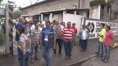 Trabalhadores da Cursan de Cubatão entram em greve - A empresa não pagou os salários e benefícios de dezembro, resultando na paralisação dos trabalhadores a partir desta segunda-feira (11).