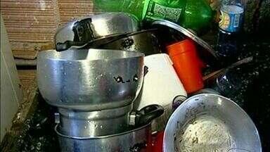 Moradores reclamam de falta d'água em São Mateus, ES - Alguns estão sem água há cinco dias.