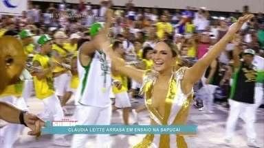 Claudia Leitte arrasa na Sapucaí em ensaio da Mocidade - Cantora é a rainha de bateria da escola de Padre Miguel no Carnaval 2016