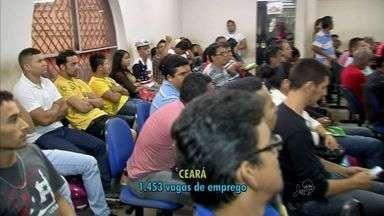 Unidades do Sine/IDT em Fortaleza têm longas filas de pessoas em busca de emprego - Confira vagas disponíveis no Ceará.