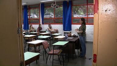 Estudantes da UEM voltam às aulas - É a continuação do ano letivo de 2015