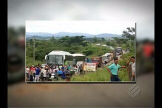 Reintegrações de posse são alvo de protestos - Ocupantes de fazendas interditaram rodovia PA-279.
