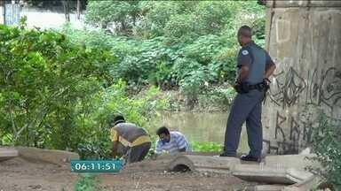 Bombeiros encontram corpo de jovem que caiu em córrego na Zona Leste da capital - Lucas Nakamoto, de 15 anos, estava desaparecido desde sábado (9). Ele caiu no córrego Aricanduva durante temporal no final de semana.