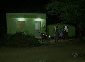Moradores reclamam de muriçocas na comunidade de Gonçalves Ferreira - Famílias estão praticamente sem dormir por causa dos insetos.