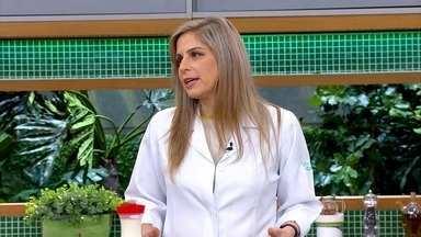 Jantar não pode ser baseado apenas em pipoca - A nutricionista Lara Natacci explica que a pipoca é carboidrato. Por isso, precisa ser complementada com frutas e iogurtes.