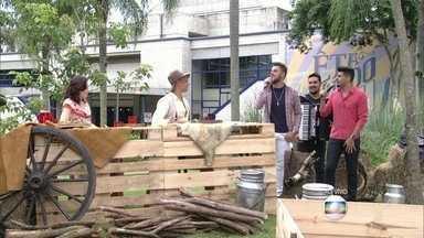 Zé Neto e Cristiano cantam 'Fio de Cabelo' no início do Vídeo Show - Programa faz homenagem à estreia da novela Êta Mundo Bom!