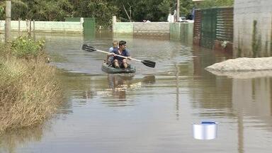 Chuva deixa desalojados no Vale do Paraíba - Moradores de cidade da região contabilizam prejuízos.