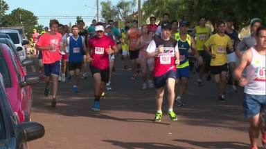 Atletas participam de corrida em comemoração ao aniversário da Palmeirinha - O distrito da Palmeirinha completou 99 anos da história.
