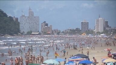 Praias do Sul do Brasil viram destino para turistas paraguaios - Só na primeira semana do ano, mais de 15 mil turistas paraguaios seguiram para as praias do sul do país. E eles fazem a alegria dos corretores de imóveis.