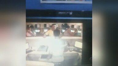 Câmeras de segurança registram assalto a lan house na Zona Norte de Manaus - Crime ocorreu por volta das 20h30 da quarta-feira.