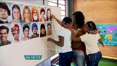 Crianças refugiadas acolhidas pelo estado visitam o Museu da Imigração na capital - As crianças conheceram a história de pessoas que, como elas, um dia também saíram de seus países para viver no Brasil e também se divertiram no prédio, na Mooca, na Zona Leste da capital.