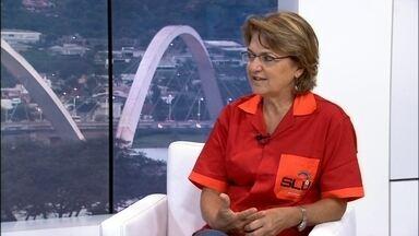 Diretora-geral do SLU defende carnaval limpo e organizado nas ruas de Brasília - O SLU quer fazer do carnaval em Brasília um exemplo em termos de respeito ao meio ambiente. A ideia é não deixar aquele rastro de sujeira pelas ruas depois da passagem dos foliões.