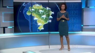 Previsão é de mais chuva para a Bahia neste sábado (23) - A chuva deve chegar entre o sul e o leste da Bahia, Espirito Santo, Minas, Tocantins, Pará e até o Amazonas. São Paulo deve ter tempo firme no sábado e chuva passageira no domingo.