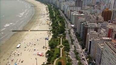 Cidade de Santos completa 470 anos nesta terça-feira (26) - A cidade, que começou a se desenvolver devido à exportação de café através do Porto de Santos, hoje é uma das mais importantes do estado e atrai turistas devido às suas belas praias.