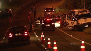 Guarda Municipal e Foztras fazem blitz na avenida Paraná - Em três horas de operação, os agentes fiscalizaram 532 veículos.