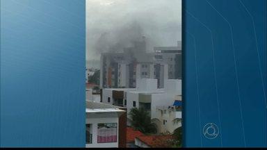 Dois idosos morrem em incêndio em apartamento em João Pessoa - Peritos acreditam que uma vela pode ter iniciado o fogo dentro do apartamento.