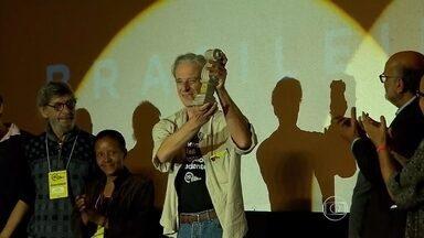 Mostra de Tiradentes vai exibir 117 filmes de vários estados do Brasil - Festival de cinema foi aberto na noite desta sexta-feira (22).