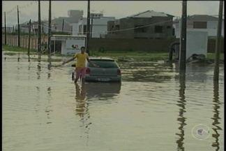 Chuva forte invade casas em Petrolina - nesta sexta-feira (22) choveu 77 milímetros segundo a Apac