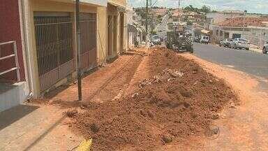 Fernando Prestes, SP, se recupera dos estragos provocados por temporal - Aos poucos, pontes, ruas e calçadas vão sendo reconstruídas.