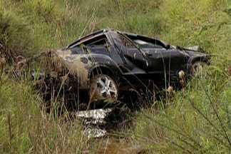 Homem morre em acidente em Itaquaquecetuba - Um outro ocupante do veículo está internado no Hospital Santa Marcelina.